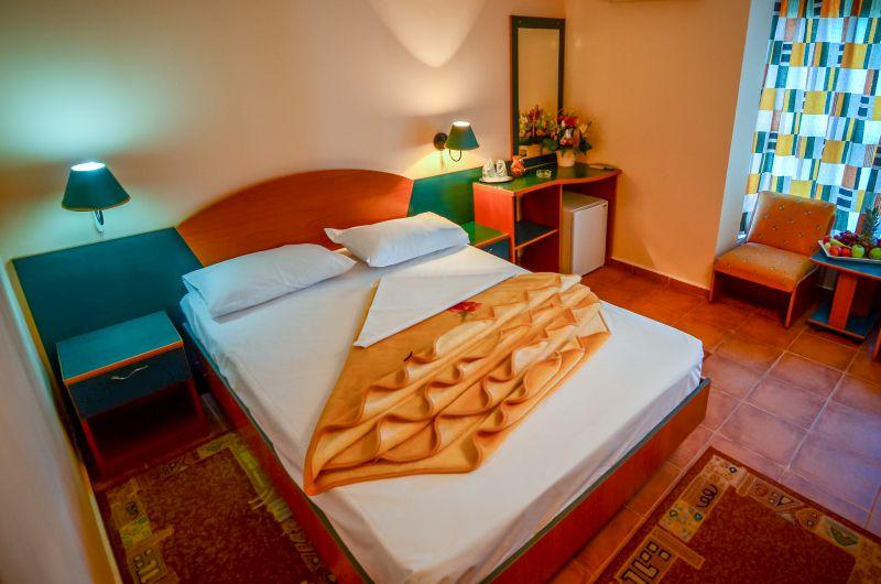 Camera dubla cu pat matrimonial -Majestic Olimp